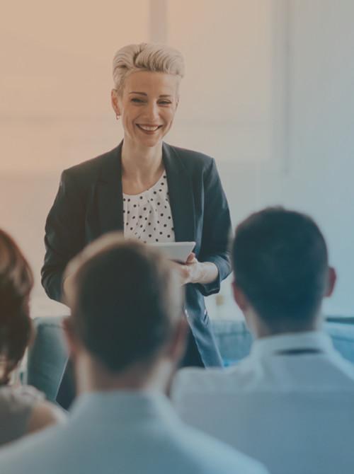 Sprecherin bei einer Weiterbildung im Jobcenter Kreis Viersen